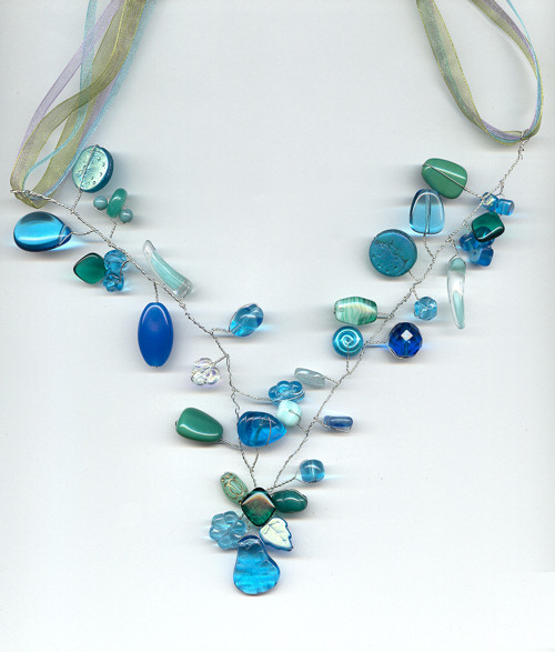 aquamarinetwistedwirenecklace500